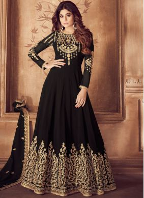 Alluring Embroidered Wedding Anarkali Salwar Kameez