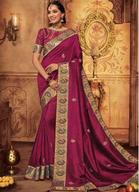 Artistic Traditional Saree For Bridal