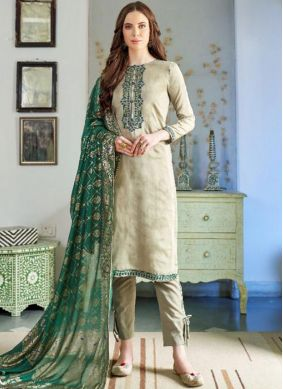 Classical Pakistani Salwar Suit For Festival