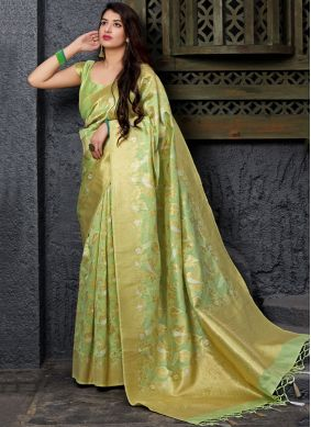 Competent Silk Traditional Saree