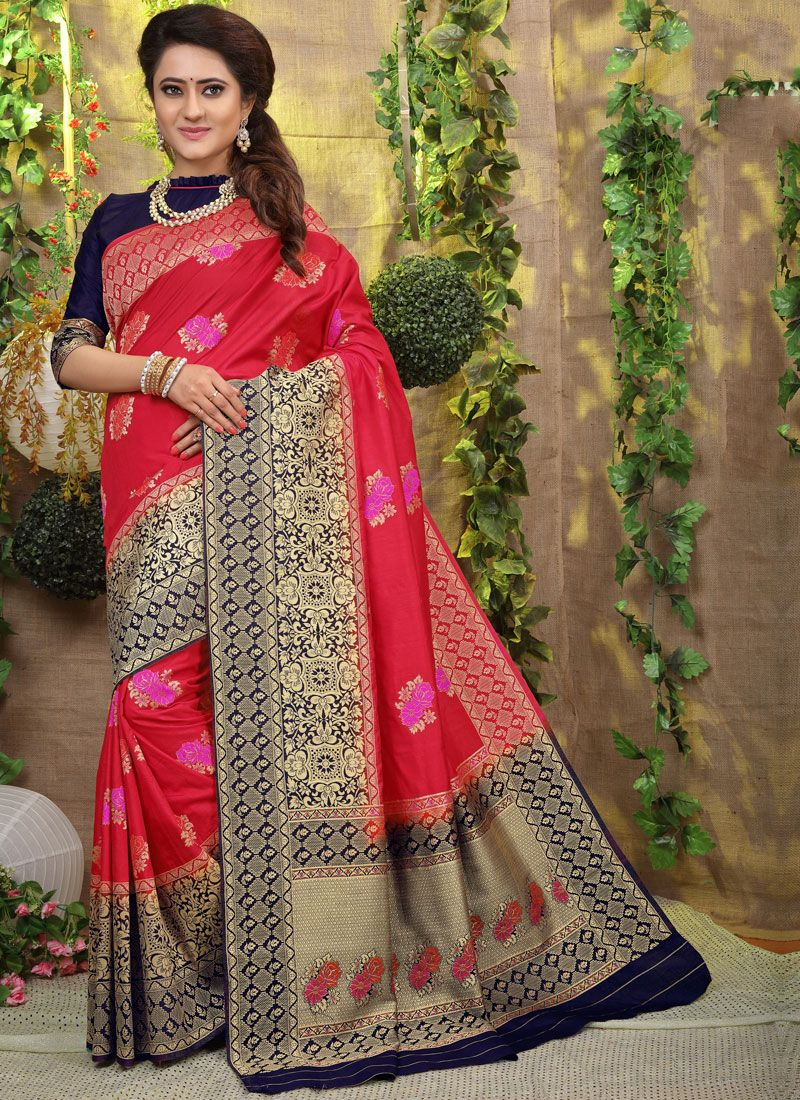 Competent Weaving Hot Pink Traditional Saree