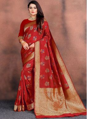 Delectable Weaving Red Traditional Saree