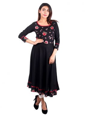 Enticing Black Plain Rayon Casual Kurti
