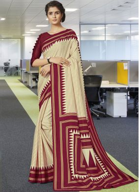 Enticing Traditional Designer Saree For Casual