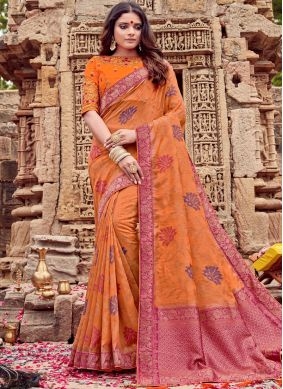 Entrancing Viscose Embroidered Classic Saree