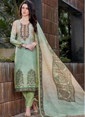Eye-Catchy Green Designer Pakistani Suit