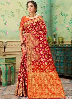 Gratifying Weaving Festival Classic Saree