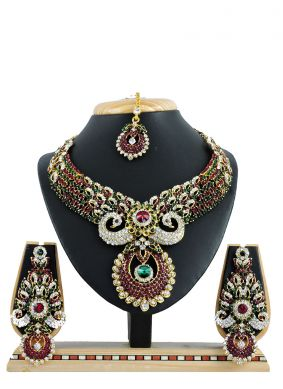 Green Stone Work Ceremonial Necklace Set