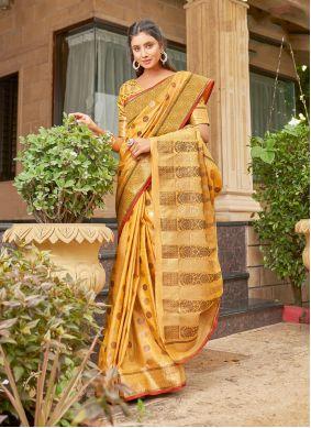 Handloom Cotton Weaving Yellow Classic Saree