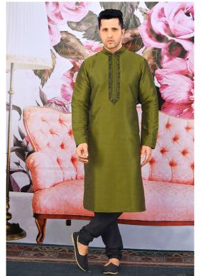 Kurta Pyjama Printed Art Banarasi Silk in Green