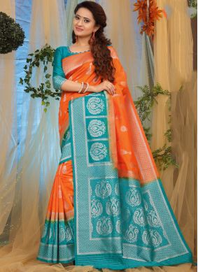 Lovable Traditional Designer Saree For Ceremonial