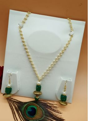 Necklace Set Stone Work in Green