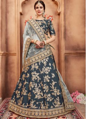 Renowned Zari Art Silk Lehenga Choli