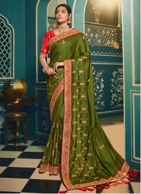 Silk Patch Border Traditional Saree in Green