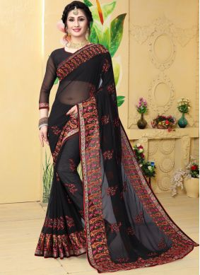 Swanky Classic Saree For Festival