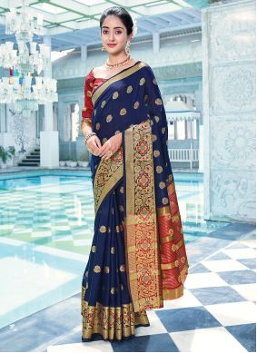 Traditional Saree Weaving Cotton in Blue
