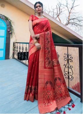 Tussar Silk Traditional Saree in Red