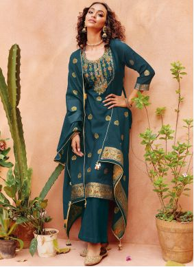 Viscose Embroidered Pant Style Suit in Morpeach