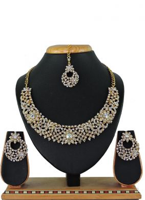 White Party Necklace Set