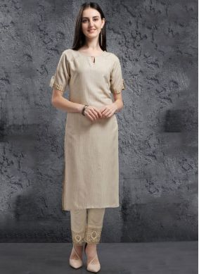 Winsome Embroidered Casual Kurti